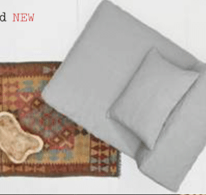 """Le coin en lin couleur wind est un module carré de 130x130cm qui peut faire """"tourner"""" votre canapé en angle droit ou bien angle gauche et s'adapter à différentes configurations de pièces. Utilisé seul, il peut faire un fauteuil généreux posé dans l'angle d'une chambre. Placé au centre d'une composition, il sert d'angle et de prolongation à une méridienne ou à une chauffeuse et faire de votre ensemble sofa un enchaînement sans fin. Nettoyage à 30°C Caractéristiques : Structure entièrement en mousse Module 130x130cm Livré avec 1 coussin 50x120cm 100% Lin – Wind Mousse non imputrescible Houssable / Dé-houssable"""